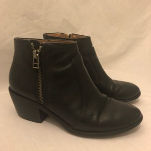 Madewell black ankle boots size 6.5 zipper